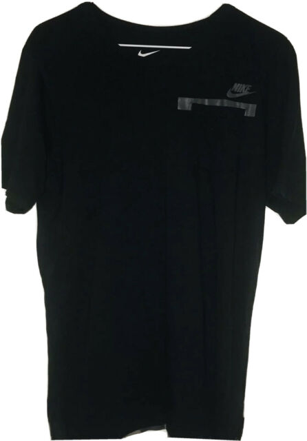 The Nike Tee Athletic Cut Team  Short Sleeve Black T-Shirt Mens Sz S