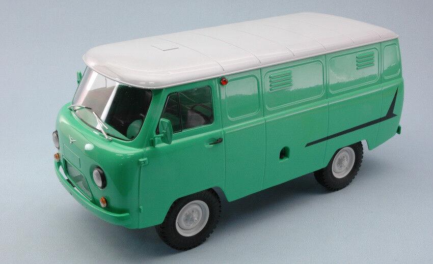 Uaz 452 Van (3741) Light Green W  White Roof 1 18 Model PREMIUM CLASSIXXS