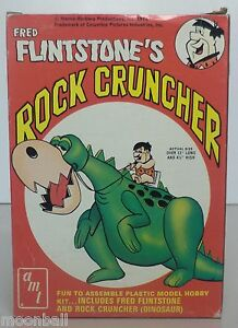 RARE! Complete FRED FINTSTONE'S ROCK CRUNCHER Model Kit AMT 1974 With DINO T497