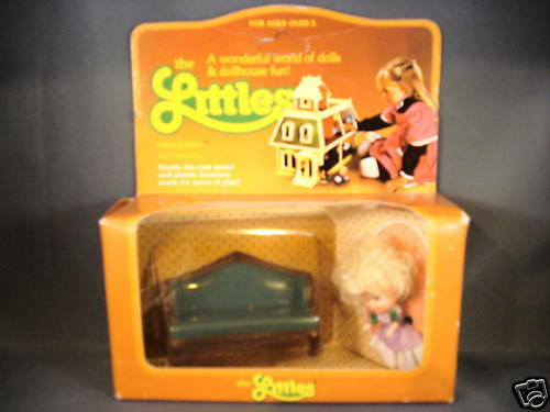 1980 Mattel The Littles Hedy Littles and her sofa