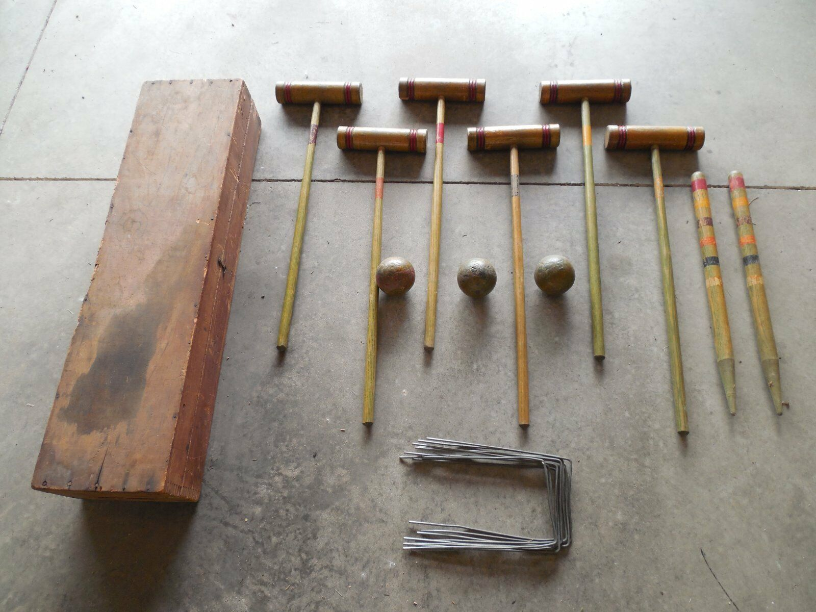 VINTAGE Antique WOOD 6 Player CROQUET SET In WOOD DOVETAIL BOX