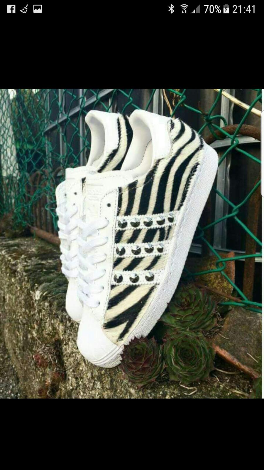 Casual salvaje Barato y cómodo scarpe adidas superstar con  cavallino zebrato e borchie