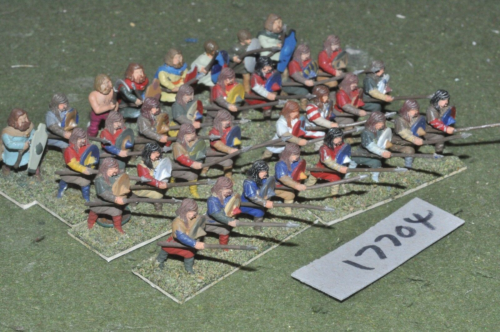 25mm dark ages   lombard - warriors 32 figs - inf (17704)