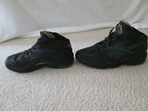0535fd03236f Vintage 90s Reebok Above the Rim Shoes Size 9 Black Green Sneakers ...