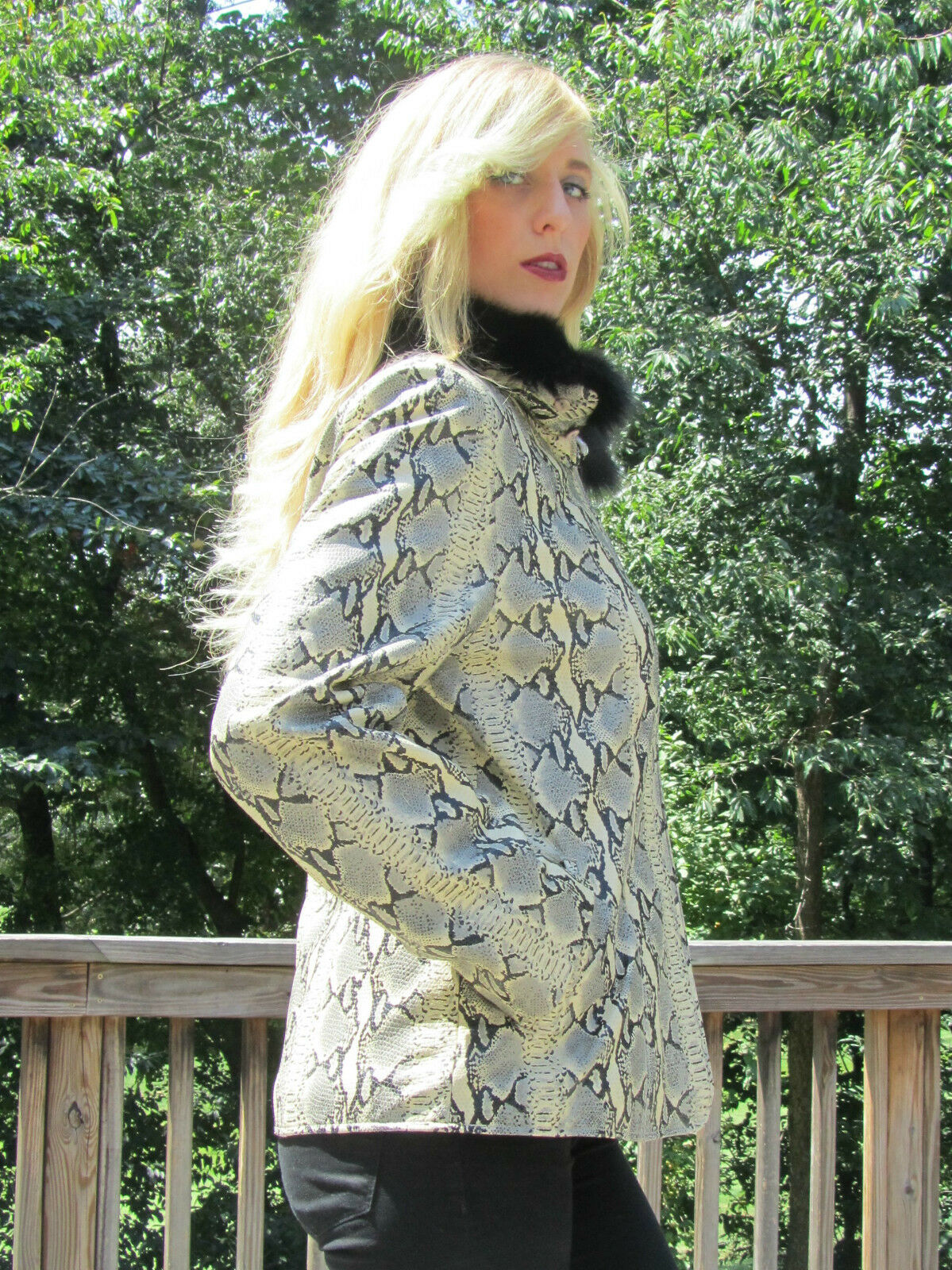 Nuevo Con Etiquetas Para Mujer Cuero Estampado  de serpiente y cuello desmontable Fox Corto Abrigo Talla M  899  A la venta con descuento del 70%.