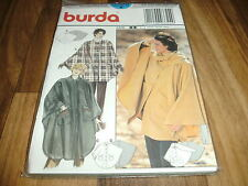 BURDA-PLUS Schnittmuster 3324                  3x  CAPE               34-48