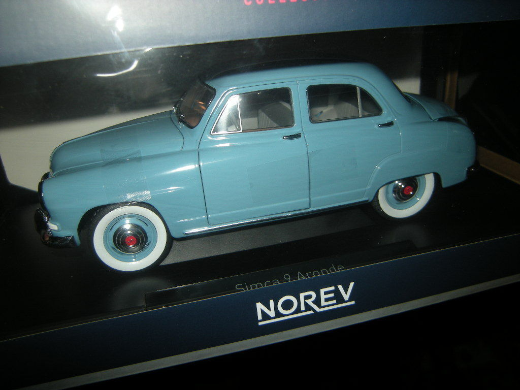 1 18 Norev Simca 9 Aronde 1954 Light Blau Light Blau No 185741 BNIB