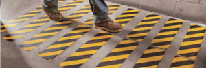 "3M SAFETY WALK BARRICADE Pattern 6/"" x 24/"" Treads Lot of 10 3M ANTI SLIP TAPE"