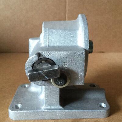 3819767 3819767 3818935 3024678 3029354 Water Filter Seat for Cummins Diesel Engine M11