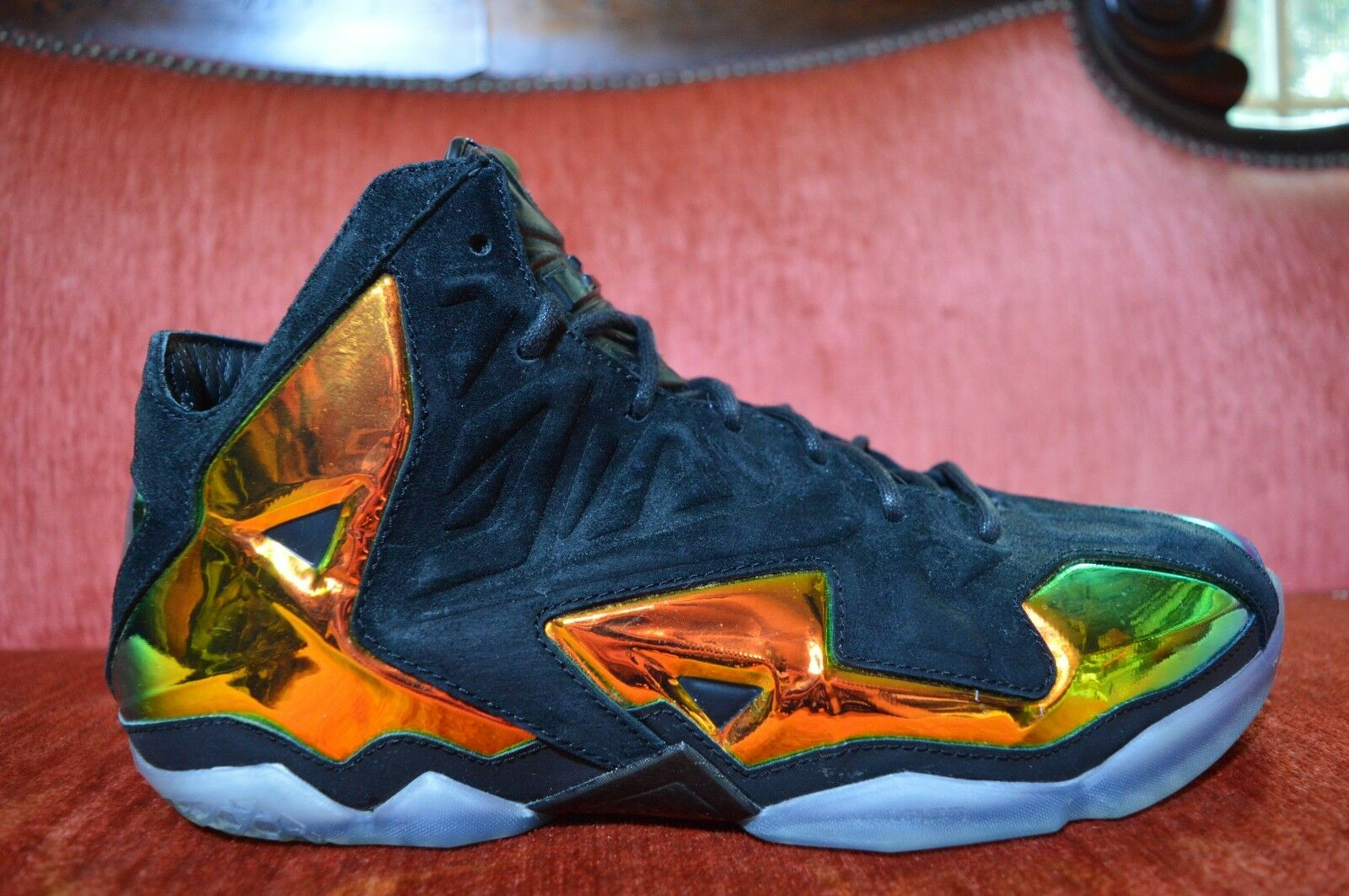WORN 2X NIKE LEBRON XI 11 EXT QS  KINGS CROWN  BLACK-METALLIC gold 677693-001