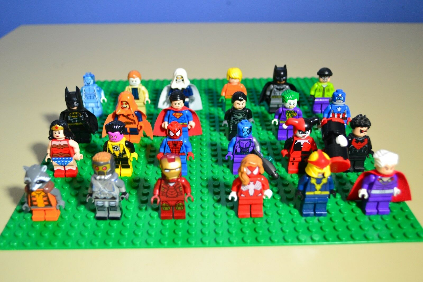 Lego Marvel Super Heroes Minifigures LOT of 24 AUTHENTIC
