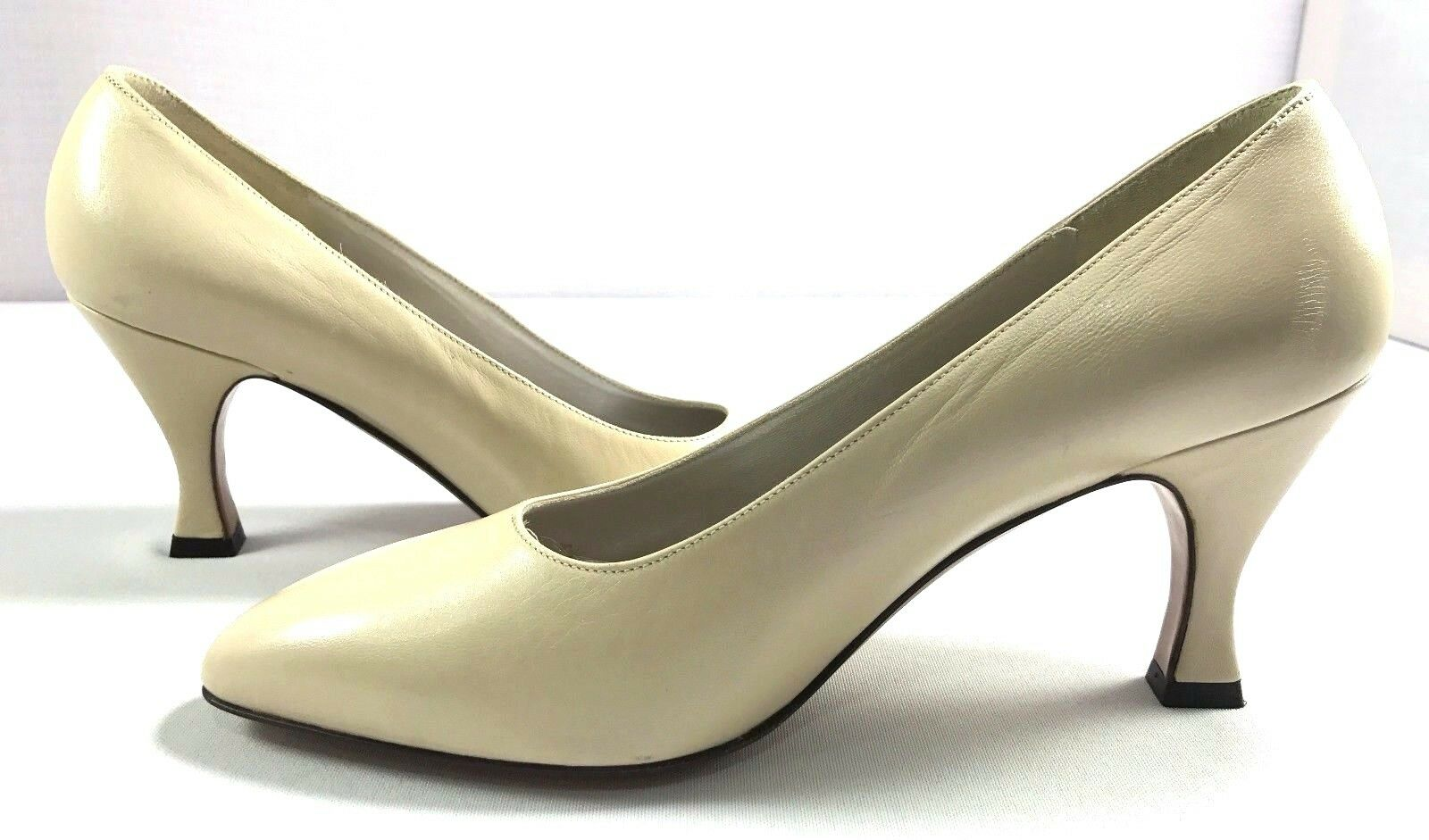 Bruno Magli Pumps damen Beige Leather Heels Größe 6.5 6.5 6.5 B Made in  d29a00