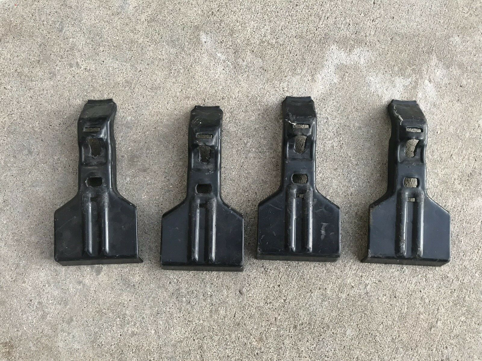 Thule 266 Fit Kit Arms Towers