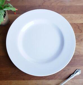 Pottery-Barn-Al-Fresco-pattern-white-melamine-over-sized-dinner-plates-lot-of-2