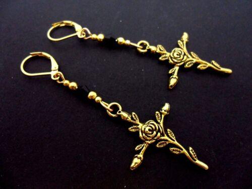 nuevo. Un par de flor de color oro Cross Criolla Gancho Pendientes