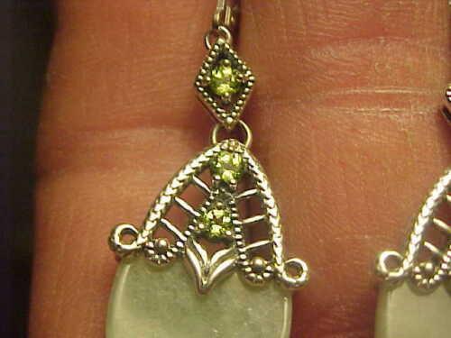 Belle céladon Egg shaped jade Joy Boucle D/'Oreille Set Argent Sterling Spinelle