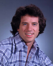 Wopat, Tom [The Dukes of Hazzard] (12174) 8x10 Photo