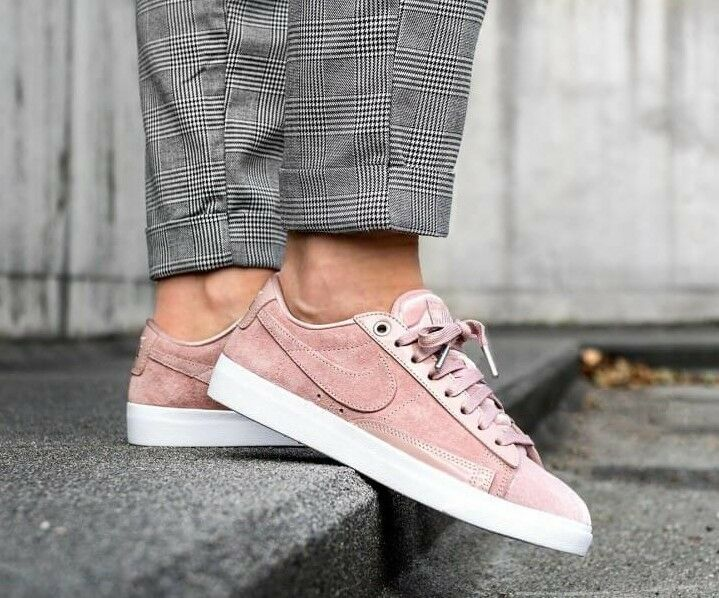 Femme NIKE BLAZER LOW LX Taille 5.5 EUR 39 (AA2018 604) PARTICLE Rose/ SILT RED