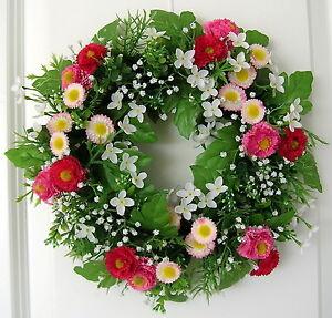 Tuerkranz-Sommer-Bellis-creme-rosa-Sommerkranz-Wandkranz-30cm-Kranz-Hochzeit