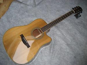 Cassandra-Elk-Western-Gitarre-Dreadnought-Cutaway-Zederndecke