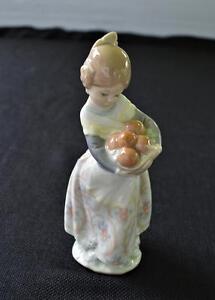 LLADRO-Spain-VALENCIA-GIRL-w-BASKET-of-ORANGES-7-034-h-Figurine-4841-Glazed