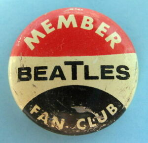 MEMBER-BEATLES-FAN-CLUB-ORIGINAL-1964-PINBACK-BUTTON-131