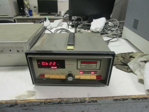 Victoreen Model 500 Precision Medical Physics Electrometer. Dual Polarity.