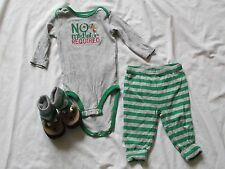 BABY BOY CHRISTMAS PAJAMA OUTFIT PJ'S SLIPPERS REINDEER MISTLETOE GREEN 6 MONTHS
