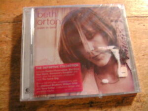 Beth-Orton-Pass-in-Time-The-Definitive-Collection-2-CD-Album-NEU-OVP