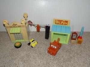 Mega-Bloks-Disney-Cars-Mater-039-s-Garage-7768-and-Luigi-039-s-Garage-7788-not-complete