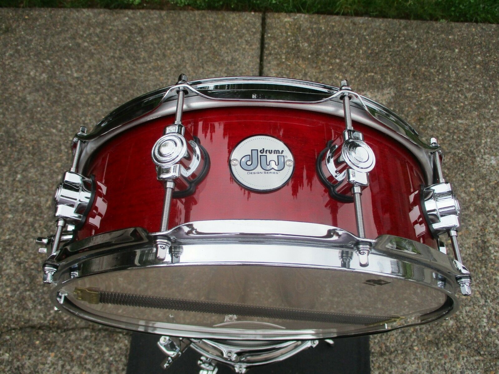 DW Design Series 14 X 5 Snare Drum, Cherry Stain, Maple, 10 Lugs - Mint Mint