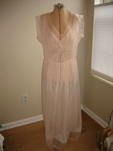 Vintage Faerie Surelock Peach Nylon Nightgown Shee