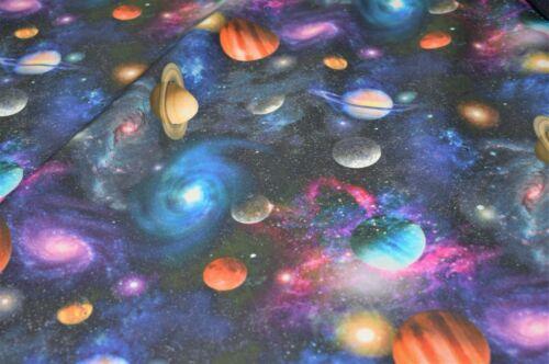 """Premium 100/% coton Quilting Craft Tissu Planet Galaxy Imprimer 58/"""" Haute Qualité"""