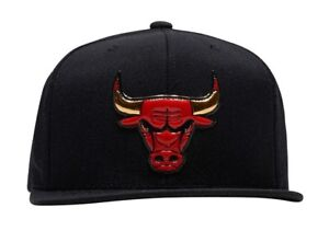 11eb3a4735e Chicago Bulls Black Gold Logo OG Jordan Mitchell   Ness NBA Retro ...