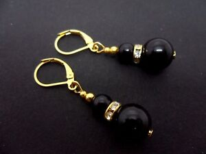 A-PAIR-OF-DANGLY-BLACK-ONYX-BEAD-GOLD-PLATED-LEVERBACK-HOOK-EARRINGS