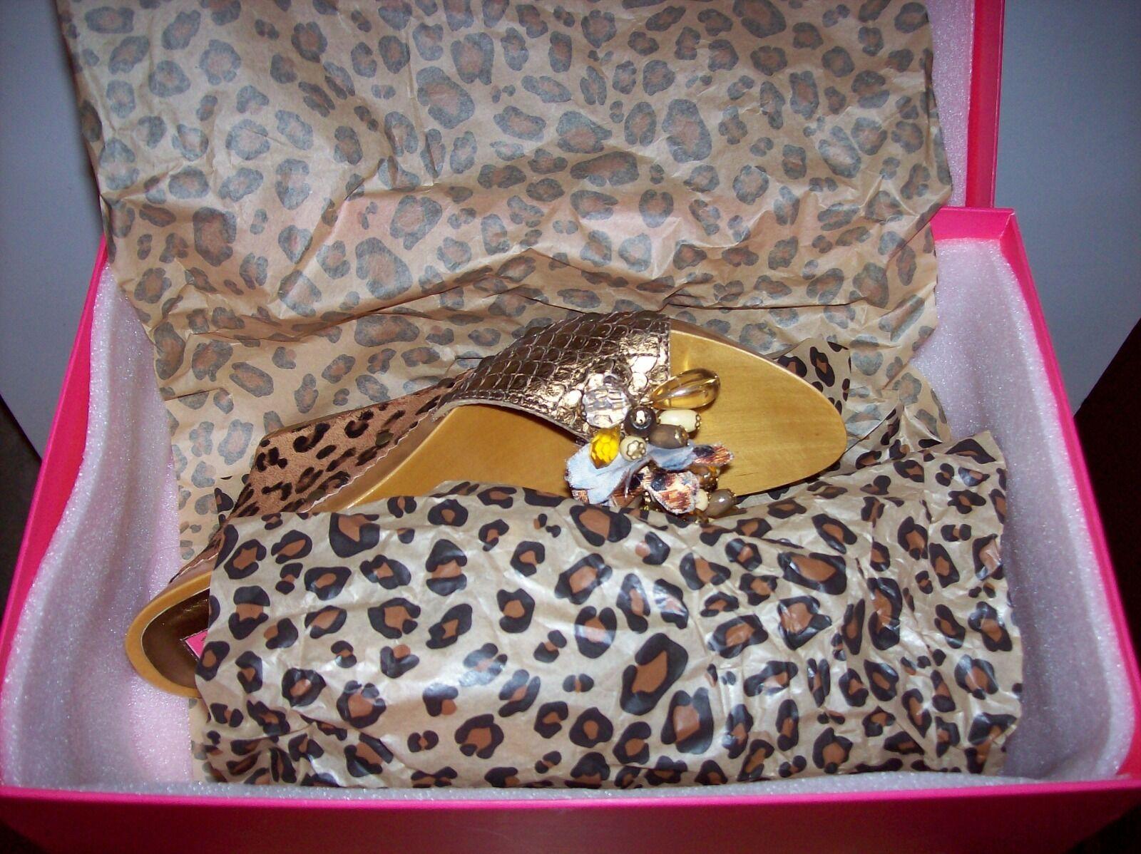 Nuevo En Caja Betsey Johnson Pantorrilla Cabello Talla adornado cuña Bronce Talla Cabello 7 0a574d