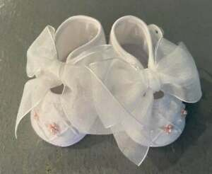 Will'beth Newborn Infant Baby Girl Fancy Embroidered Crib Shoes Pearls NWT Dolls