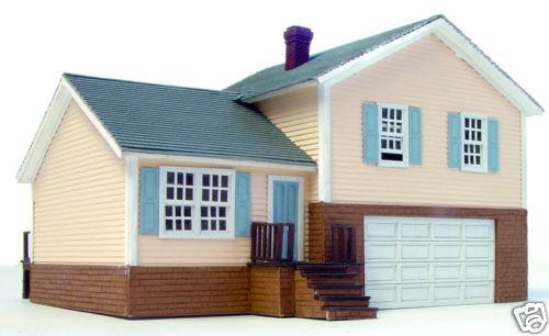 NIB HO Branchline Laser-Art Split Level House Kit