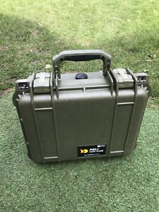 Tough-hard-military-Pelicase-1400-PELI-1400-Case-Green-rare-brand-new