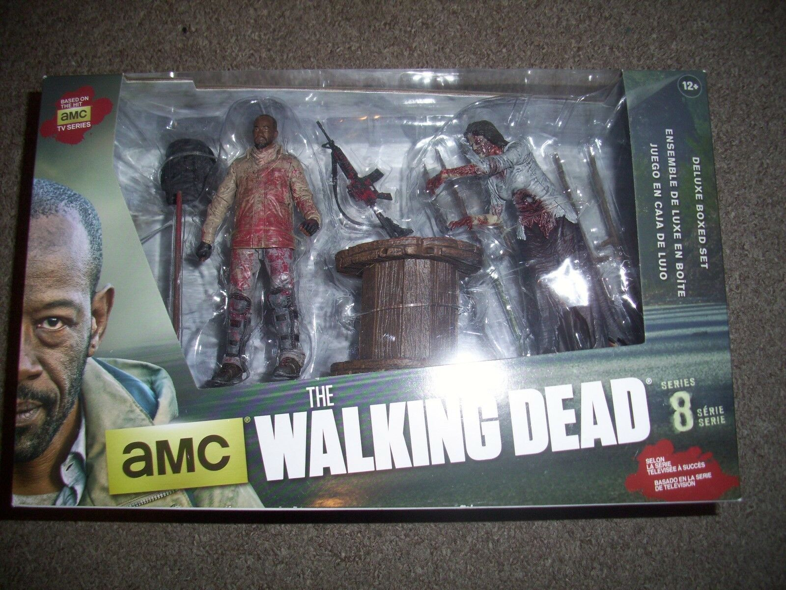 The walking dead figures 8 SERIES DELUXE BOXSED SET. still sealed
