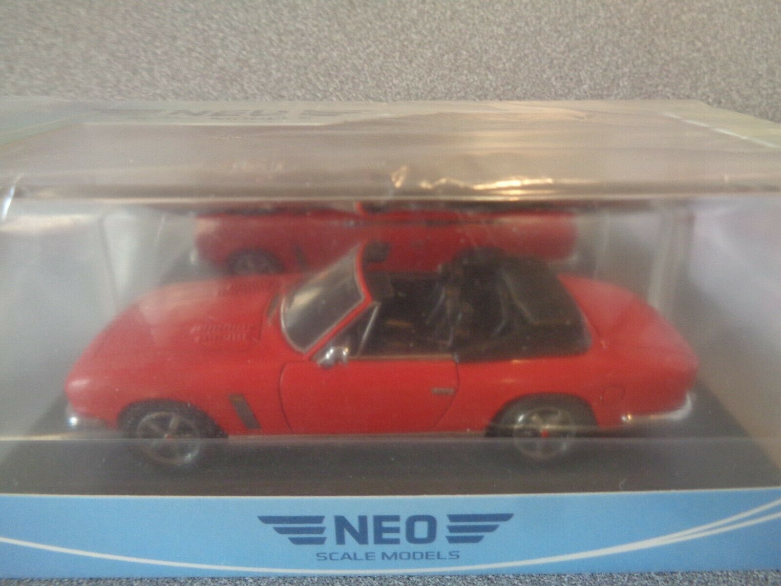 Neo 1 43 NEO43397   1975 JENSEN INTERCEPTOR S3 S3 S3 DHC   Red ..Mint n Boxed. 899546