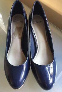 546cb68fed49e1 Details about Clarks Ladies Shoes 6 Patent Navy Work Cork Platform Work  Smart EUC Court