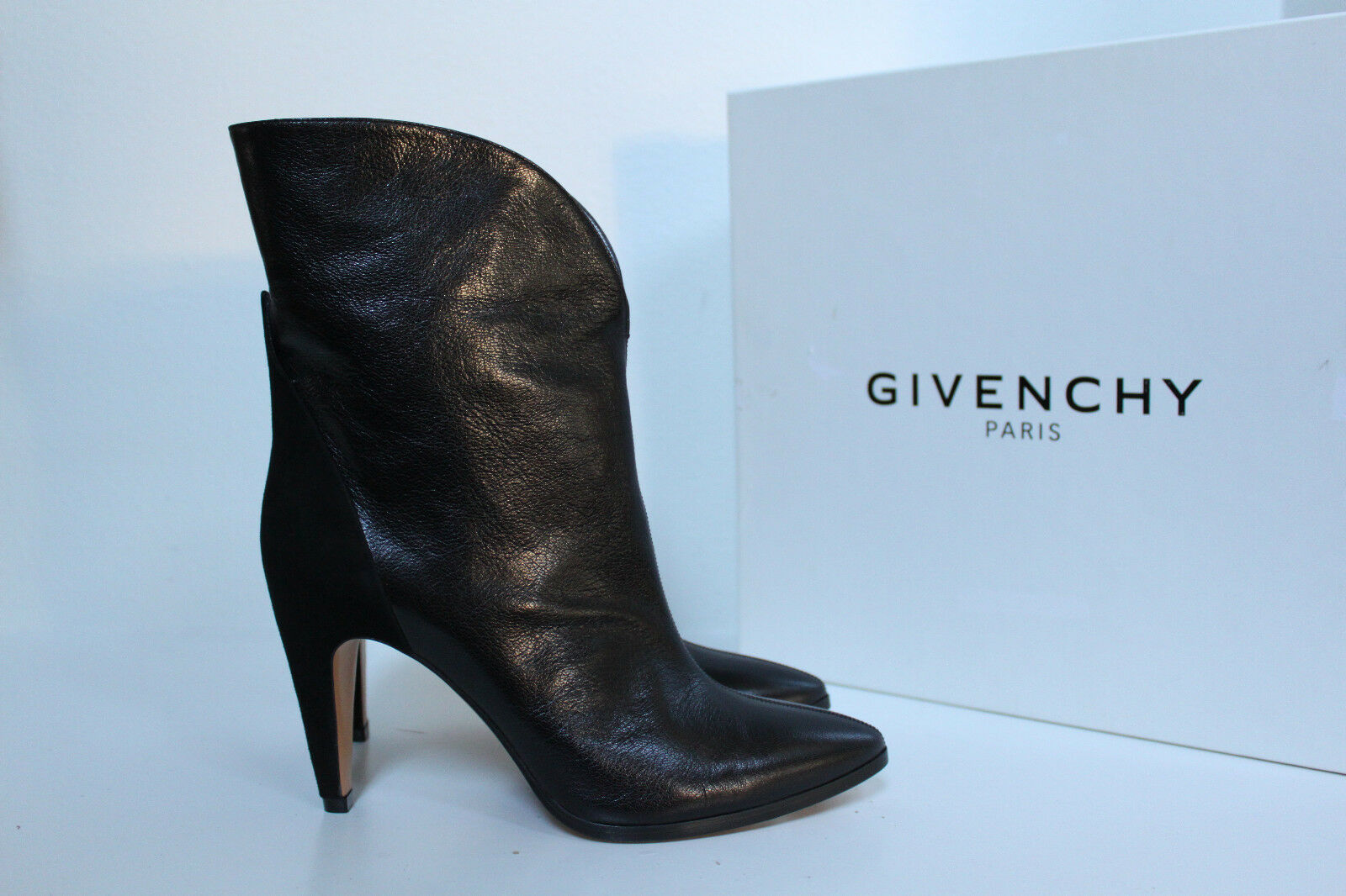 New sz 10.5     41 Givenchy Black Leather Pointed toe Suede Heel Pull on Boot shoes 336431