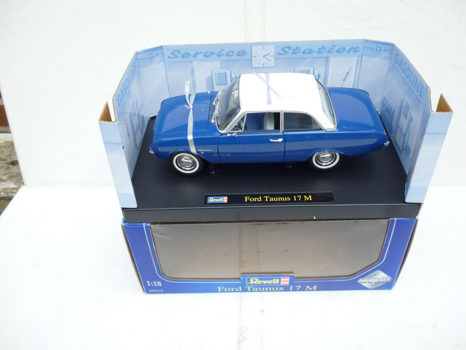Revell 1 18 Scale diecast - 08818 Ford  Taunus 17M    Brand nouveau    in ovp Rare  achats de mode en ligne