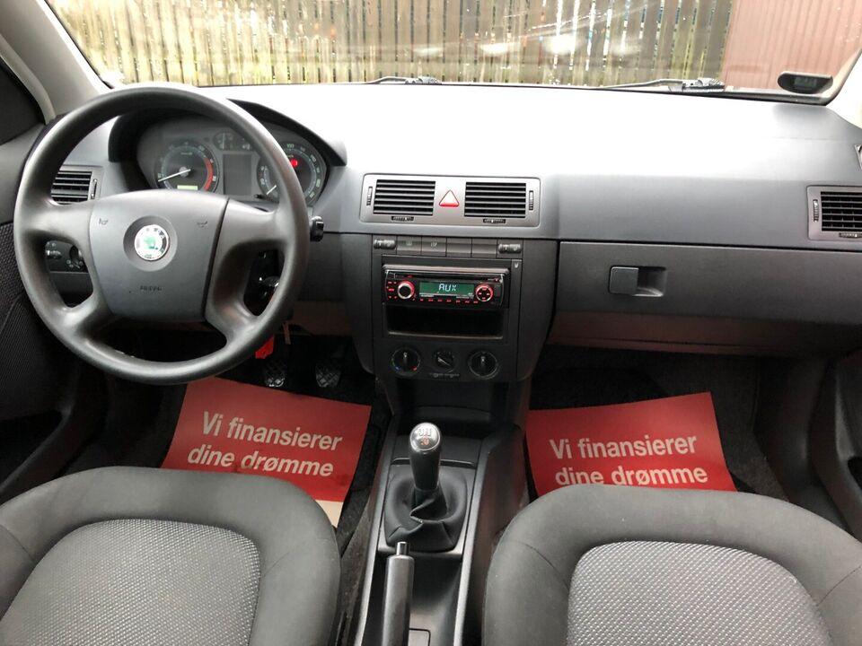 Skoda Fabia 1,4 16V 75 Comfort Benzin modelår 2006 km 133000