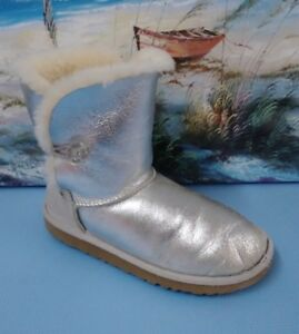 b09ee84bc47 Details about UGG AUSTRALIA 3375 Silver Glitter Sheepskin Shearling Fur  Lined Boots Size 5