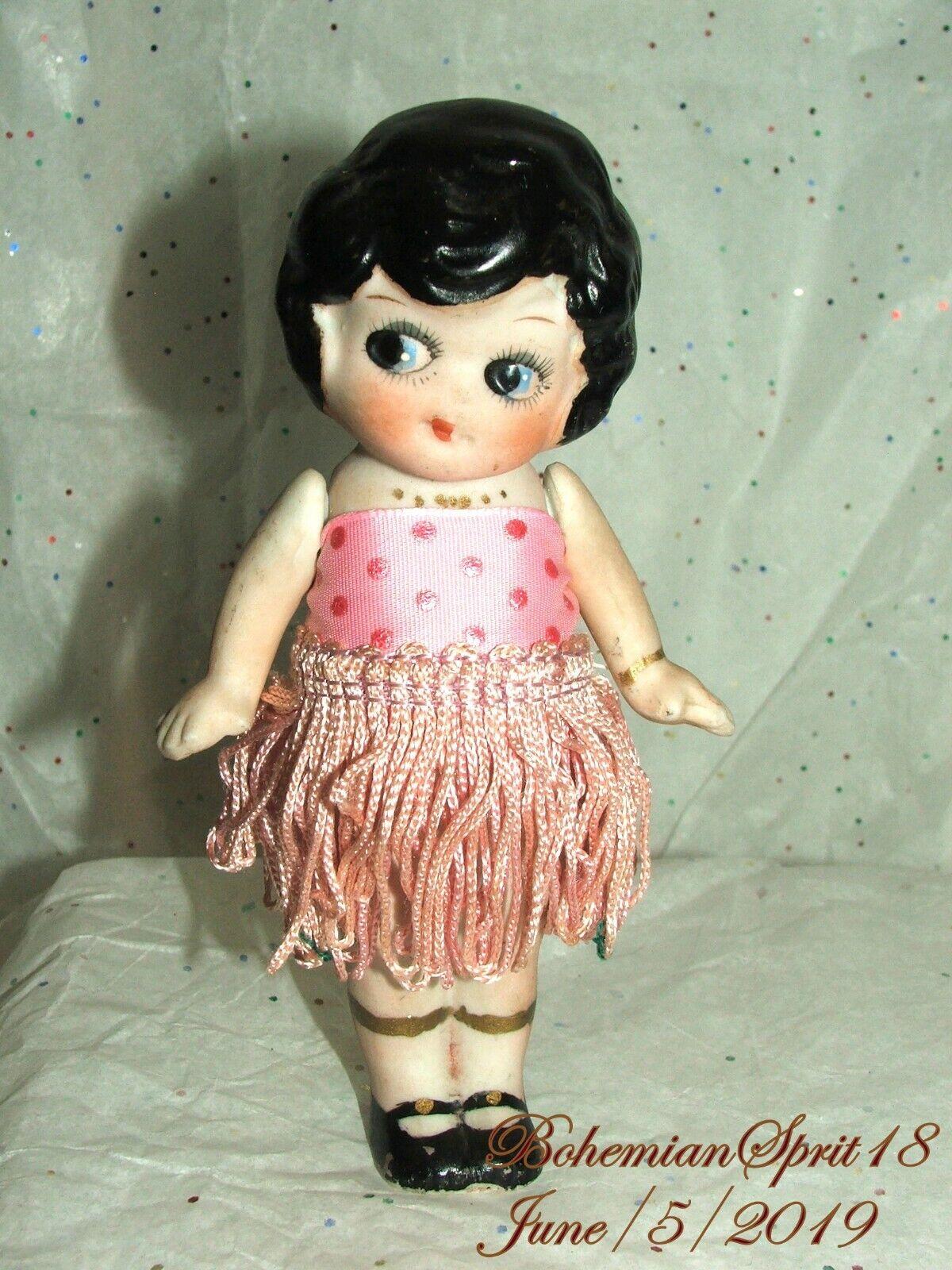 Antiguo Década de 1920 Japón Kewpie Aleta rosado Flecos Falda Biscuit 6  Girl Doll