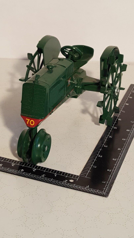 Oliver Row Crop 70 1 16 DIECAST METAL Farm tracteur réplique par SCALE MODELS