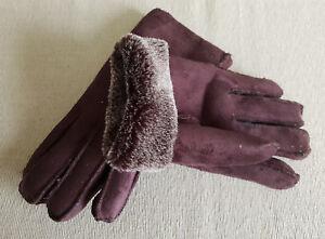 d5db00947 Image is loading BNWT-Ladies-Teenager-Chocolate-Warm-Suede-Gloves-Fur-