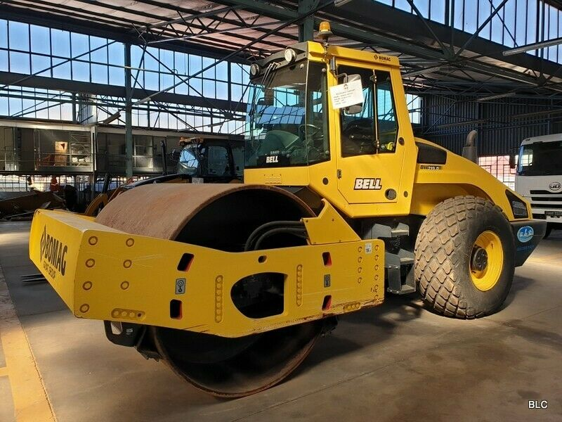 Bomag BW 219 Vibratory Smooth Drum Roller -low low hours